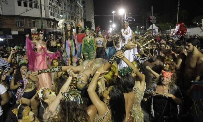 carnaval Rio-de-Janeiro-RJ-25-02-2017Bloco-Amigos-da-Onca-desfila-na-madrugada-pelo-Centro-do-R