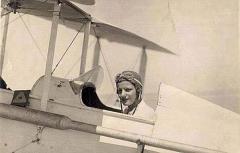 Lotfia El Nadi, piloto.