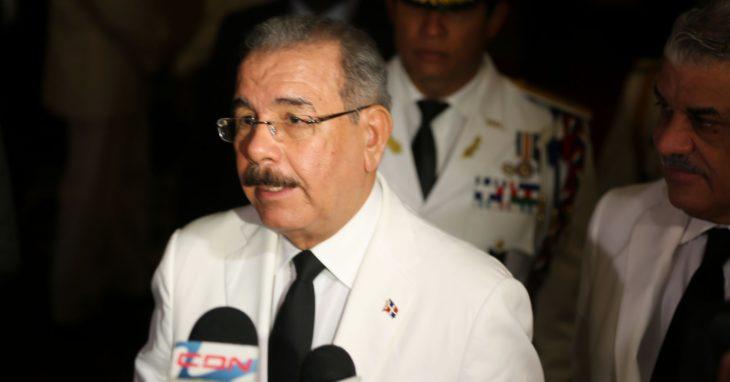 DANILO MEDINA EXIGE AL EMBAJADOR EEUU DEMUESTRE CASOS CONCRETOS DE CORRUPCIÓN