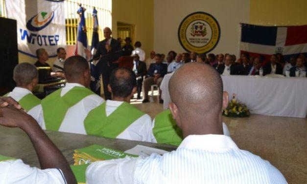 Gradúan internos Cárcel de Najayo