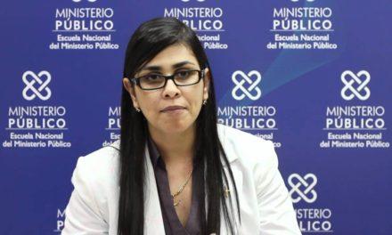 MP y Carla Massiel