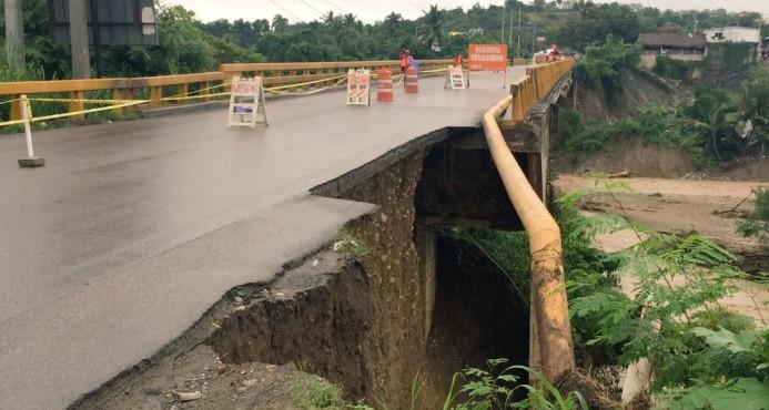 Cierran puente de Imbert