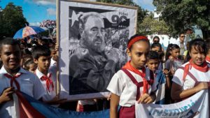 ninos-rinden-homenaje-a-fidel alcarrizos.news diario digital