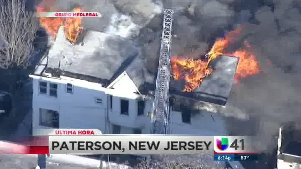 Voraz incendio en Paterson, NJ