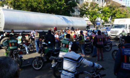 Motoconchos protestan en Palacio PN