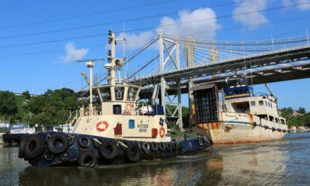 APD y la Armada inician retiro barcos