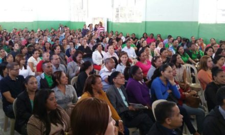 ADP paraliza clases en Villa Tapia