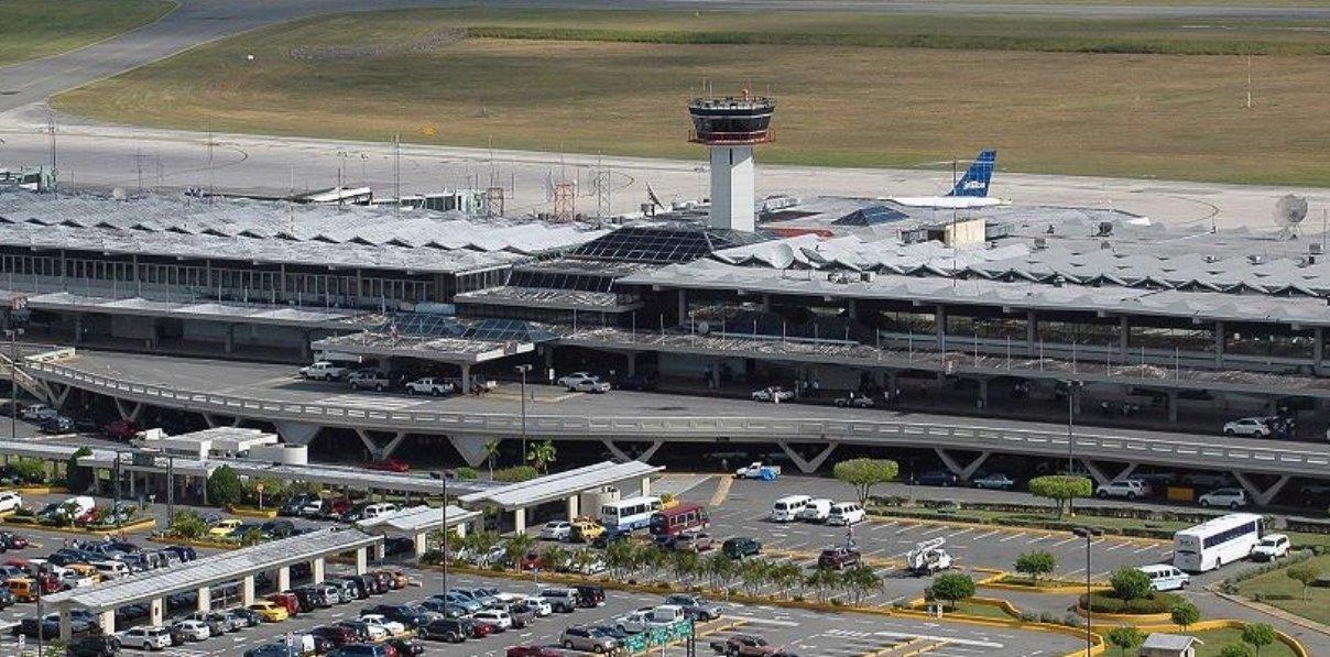 Cancelan vuelos por tormenta de nieve Niko que afecta los EUA