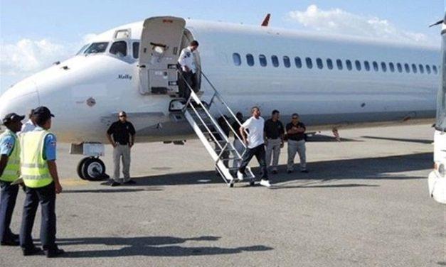 Llegaron al mediodía otros 84 dominicanos deportados de EE.UU.