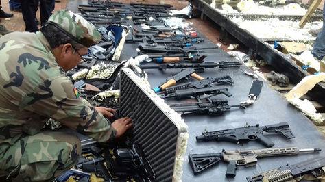 Bolivia incauta cargamento de armas de uso militar que pasó por RD