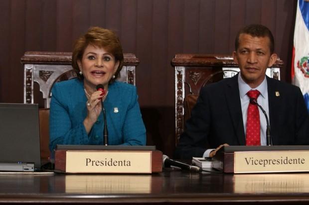 Cámara de Diputados prohíbe ingreso de armas a sesiones del hemiciclo