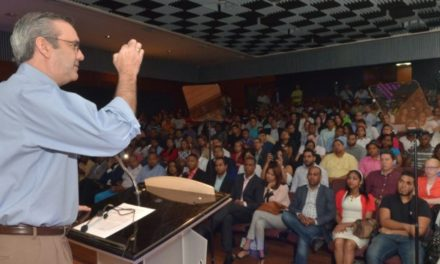 Abinader dice no es la política, sino a los políticos corruptos que los jóvenes rechazan