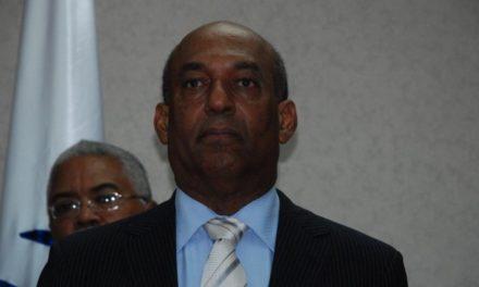 Renuncia miembro nueva Cámara de Cuentas