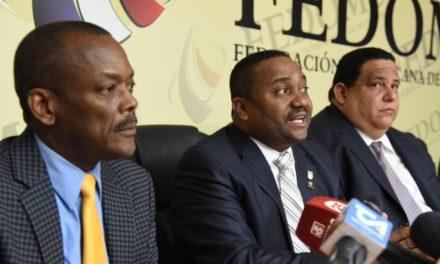 Alcaldes GSD enfrentan empresa Lajun por aumento de tarifa de hasta 1,100%