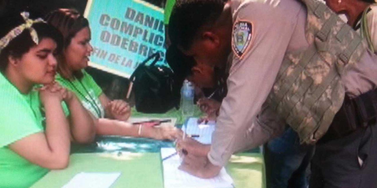 Cancelan sargento firmó el Libro Verde por el Fin de la Impunidad