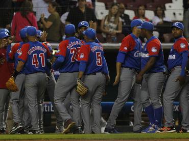 Cuba blanquea a Dominicana
