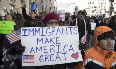 """Negocios de inmigrantes cierran en """"día sin inmigrantes"""" en protesta contra Trump en EEUU"""