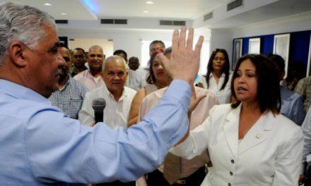 Diputada de Puerto Plata vuelve al PRD tras renunciar del PRM