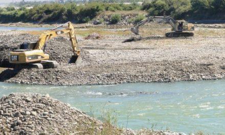 Autoridades y comunitarios piden detener extracción ilegal materiales en río Nigua