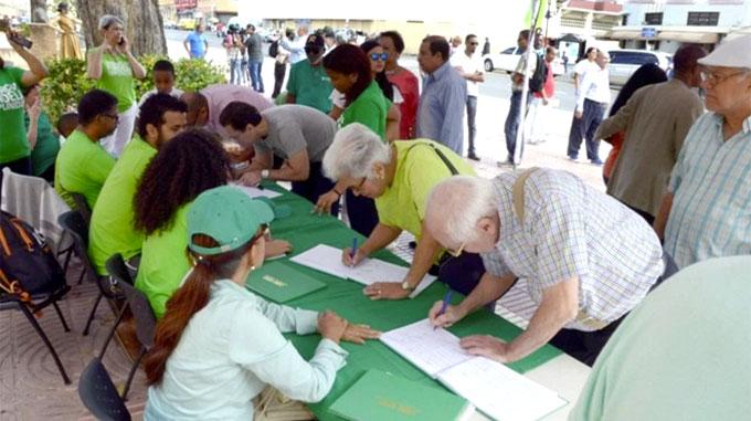 """Entregarán esta tarde """"Libro Verde"""" contra corrupción en Palacio Nacional"""