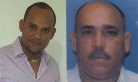 Insisten en intercambio de disparos: Someten cinco oficiales de la Policía Nacional por asesinato mecánico y taxista
