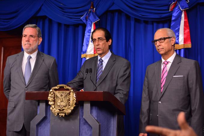 Medina suspende Director del CEA y crea comisión para investigar caso San Pedro de Macorís