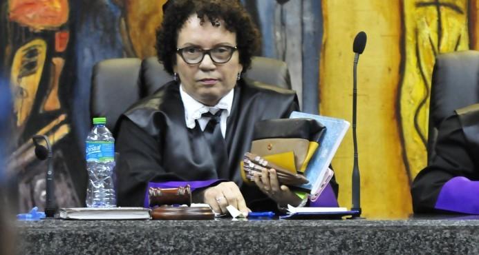 Jueza de la Suprema Corte asegura carrera de Derecho está desacreditada