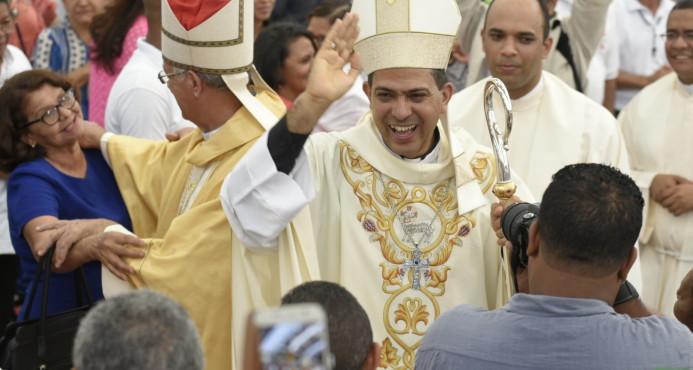 Realizan acto de ordenación episcopal del nuevo obispo auxiliar de Santiago
