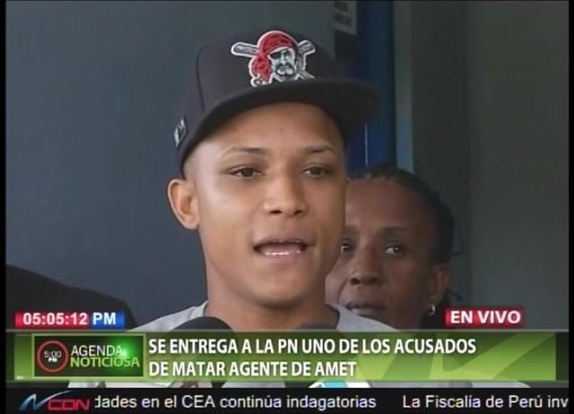 Se entrega joven que vinculan en muerte de agente AMET; denuncia pagaba peaje a policía