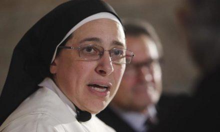 Desautorizan monja por decir que María no era virgen