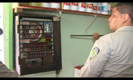 """Organizaciones piden acciones contra """"máquinas tragamonedas"""" en Los Alcarrizos"""