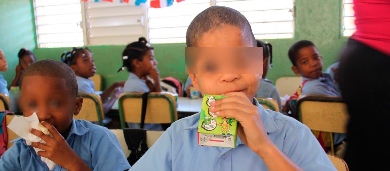 Denuncian el Gobierno adeuda más de 3 mil millones de pesos a suplidores del desayuno escolar