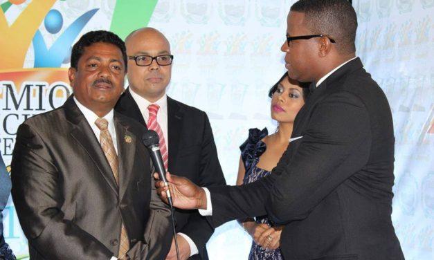 Alcaldía Los Alcarrizos celebró primera entrega del Premio Municipal a la Excelencia Juvenil 2017