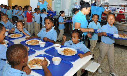 Por segunda ocasión Gobierno dice regularizará pagos a suplidores almuerzo escolar