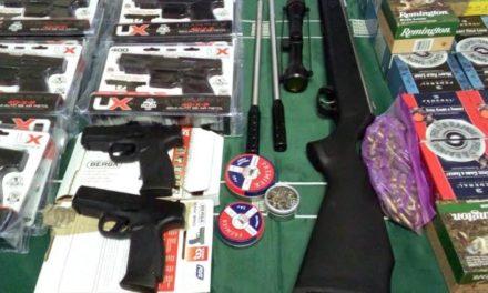Aduanas se incauta de armas, municiones y pertrechos militares