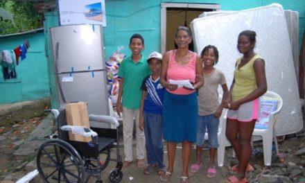 Gobierno acude en auxilio de una familia con 11 hijos en Los Alcarrizos