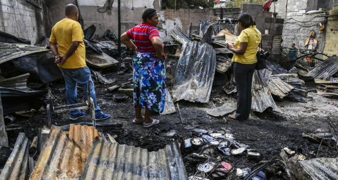Incendio destruye seis viviendas en cuartería de la Ciudad Colonial