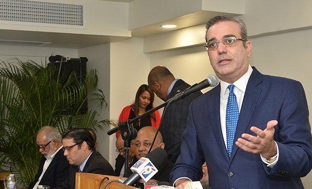 Luis Abinader cuestiona discurso presidente Medina