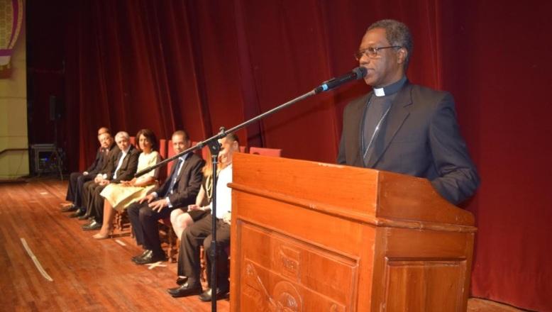 Primera Dama y Nuncio Thaddeus Okolo inauguran XXVIII Feria del Libro Católico