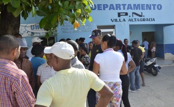 Una patrulla de la Policía ultimó a dos alegados delincuentes en Villa Altagracia