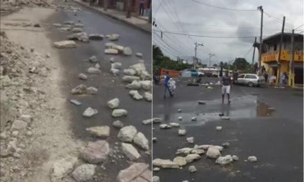 Comerciantes y moradores de Los Alcarrizos Viejos protestan