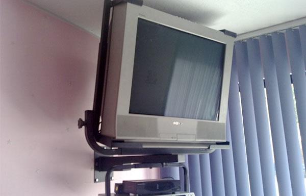 Clínicas retiran los televisores por presiones de pagos que hace la ONDA