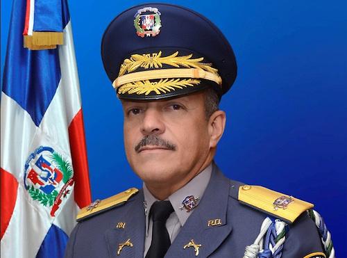 El director de la Policía Nacional tiene 132 agentes asignados a su escolta