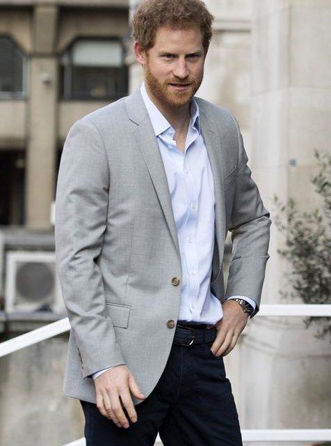 El príncipe Harry va terapias para superar muerte de Lady Di