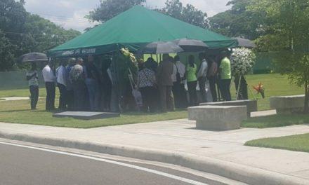 Hijos de Adriano Román no asistieron a su funeral
