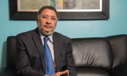 Dice el doctor Gómez que el Estado ha tumbado la autoestima del dominicano