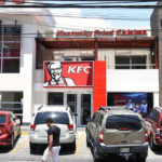 Policía apresa empleada de KFC implicada en asalto a sucursal