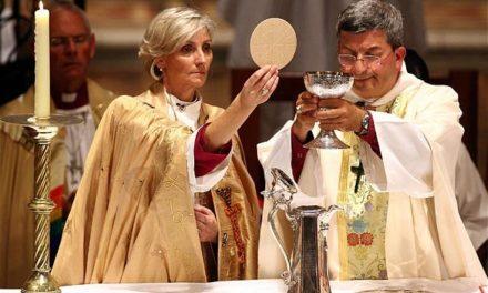 Critica que las mujeres sean marginadas en iglesia Católica