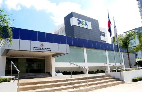 Aduanas decomisa contrabando de celulares por valor de 100 millones de pesos