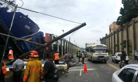 Embarcación de Ferries del Caribe choca contra muelle en la avenida del Puerto